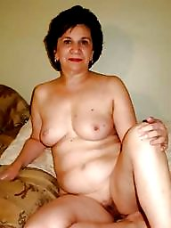 Pose, Mature nude