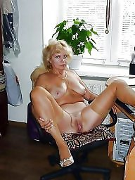 Mom, Moms, Aunt, Mature moms, Amateur moms