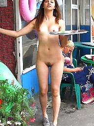 Nude, Bar