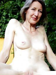 Amateur milf, Aunt, Mom amateur, Mature mom