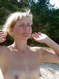Blonde, Beach