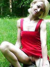Upskirt, Public flashing