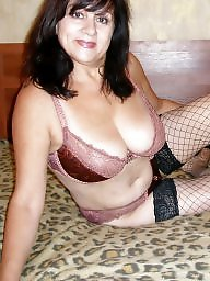 Voyeur, Mature stockings
