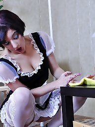 Maid, Amateur boobs
