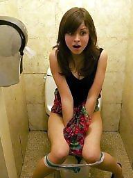 Voyeur, Bathroom
