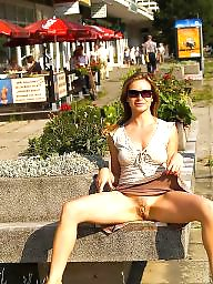 Upskirt, Public, Barely, Upskirt flashing
