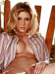 Blond, Breast