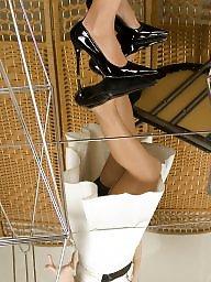 Surprise, Upskirt stockings