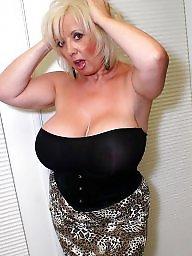 Mom, Mom boobs, Mom big boobs