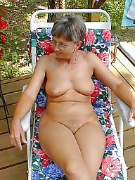 Granny mature, Grab