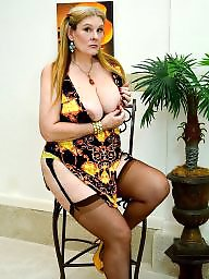Curvy, Mature stockings, Sexy mature, Sexy milf, Curvy mature