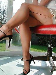 Upskirt stockings, Nude