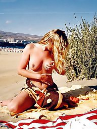 Flashing, Beach milf