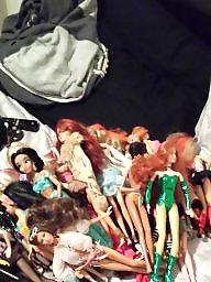 Dirty, Sex dolls