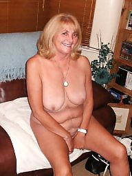 Grab, Mature grannies, Grabbing