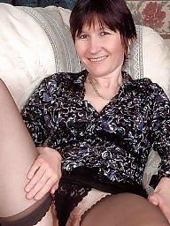 Mum, Mature posing
