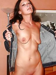 Saggy tits, Saggy, Hanging, Hanging tits, Tits flash, Flashing tits