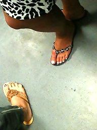 Voyeur mature, Mature feet