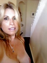 Flashing, Flash, Hot, Hot milf, Sexy, Sexy milf