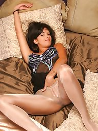 Pantyhose, Pantyhosed