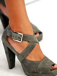 Feet, Latin