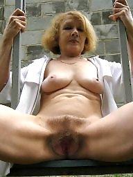 Mature tits, Tit mature