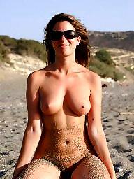 Naturist, Public nudity