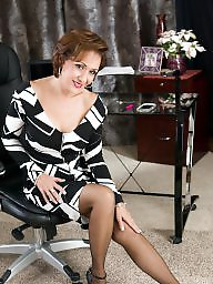 Mature pantyhose, Mature stockings, Stockings, Pantyhose mature, Classy, Milf pantyhose
