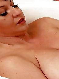 Mommy, Juggs, Got, Mommies, Milf big tits, Big tits milf