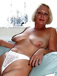 Mom, Moms, Amateur mom, Amateur moms, Mature moms, Mom amateur