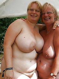Nipples, Flashing boobs