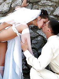 Bride, Brides, Public flashing