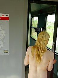 Public voyeur, Nudity