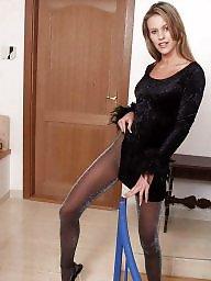Upskirt stockings, Leggings
