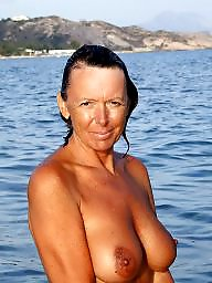 Bikinis, Bikini