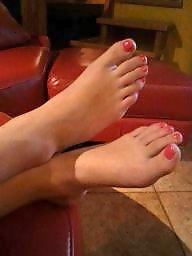 Feet, Girlfriend