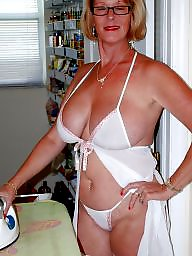 Milf mom, Mom amateur, Amateur moms