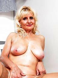 Brunette mature, Blond granny