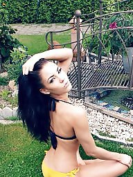 Bikini, Brunette