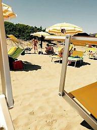 Voyeur, Beach tits