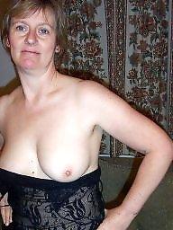 Wives, Tits flash, Flashing tits, Flashing boobs