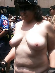 Public nudity, Public flashing