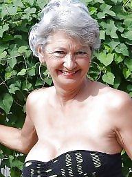 A bra, Aunt