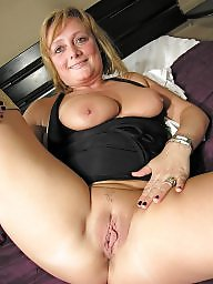 Spreading, Spread, Amateur milf, Milf spreading