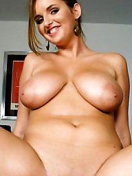 Big tit, Body
