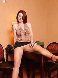 Lady, Miniskirt