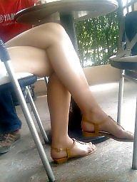 Feet, Leggings, Candid, Milf legs, Milf leg, Candid feet