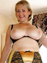 Big tit, Big boob, Public boobs