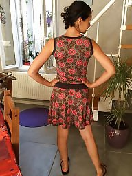 Posing, Milf flashing