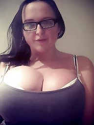 Show, Titties, Showing tits